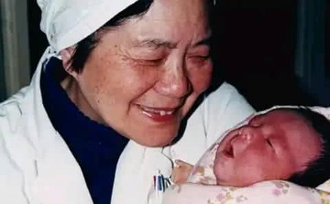 <b>31年过去了,中国第一位试管婴儿现在怎么样了?她的生活令人感叹</b>